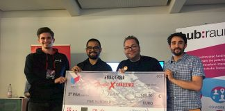 Photo victoire cheque hackathon