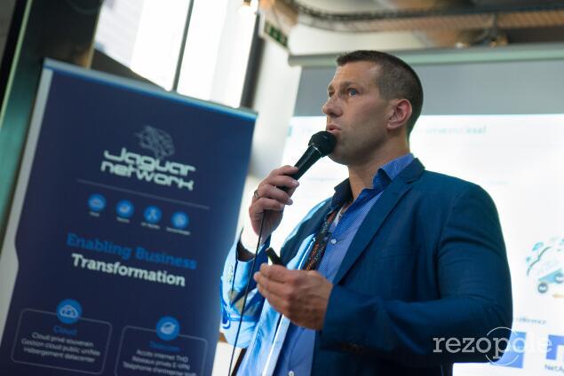 Stéphane Caburol, IAV Jaguar Network présente la souplesse de Cloud Atlas.